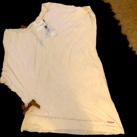 Peaceloveworld shirt. New with tags.